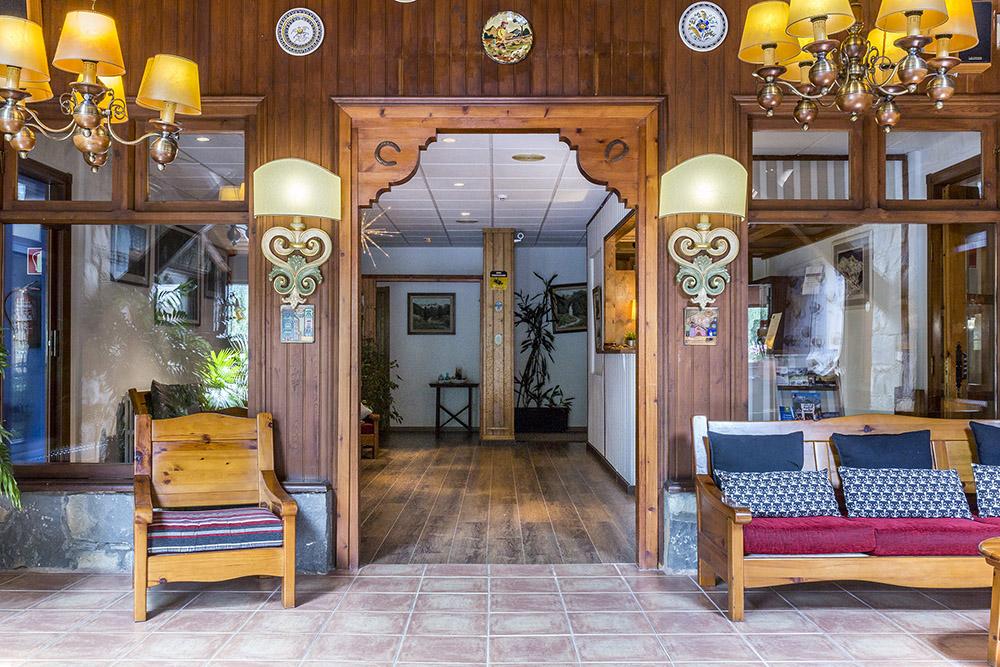 Recepcion Hotel San Anton en Benasque
